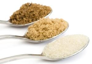 Zucchero-di-canna-Differenza-tra-zucchero-bianco-e-zucchero-di-canna-300x208